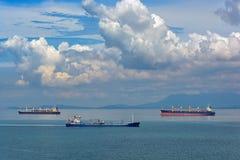 A pista de transporte a mais ocupada de World's - estreitos de Malaca e Singapo imagens de stock