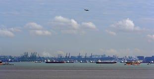 A pista de transporte a mais ocupada de World's - estreitos de Malaca e Singapo foto de stock royalty free