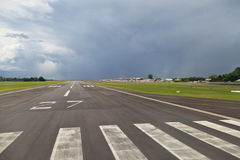 Pista del aeropuerto Fotografía de archivo libre de regalías