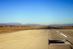 Pista del aterrizaje en el aeropuerto Fotografía de archivo