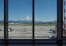 Pista dell'aeroporto di Bergamo Orio Al Serio Immagine Stock