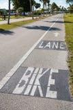 Pista designada da bicicleta para ciclistas fotos de stock royalty free