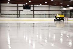 Pista di pattinaggio di ghiaccio Immagini Stock Libere da Diritti