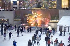 Pista di pattinaggio pattinante del centro del Rockefeller Fotografia Stock