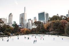 Pista di pattinaggio sul ghiaccio di Wollman - Central Park, New York, U.S.A. Fotografia Stock Libera da Diritti