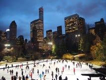 Pista di pattinaggio sul ghiaccio New York del Central Park Fotografia Stock Libera da Diritti