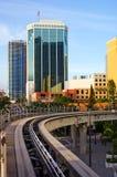 Pista elevata urbana (verticale) fotografia stock libera da diritti