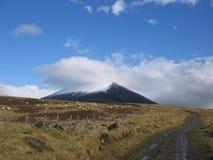 Pista en las montañas escocesas Fotografía de archivo libre de regalías