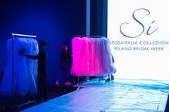 Pista en Sì Sposaitalia 2019 en Milán, Italia imagen de archivo libre de regalías