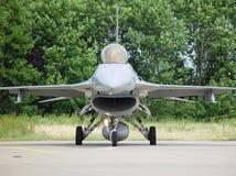 Pista F-16 encendido imagenes de archivo