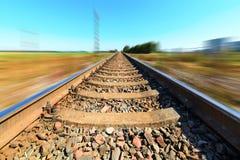 Pista ferroviaria borrosa Foto de archivo