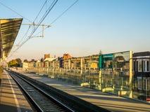 Pista ferroviaria en la estación Imagenes de archivo