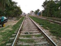 Pista ferroviaria verde Karachi foto de archivo libre de regalías