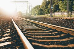 Pista ferroviaria, visión desde la tierra imagen de archivo libre de regalías