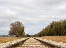 Pista ferroviaria y durmientes Imagen de archivo libre de regalías