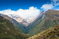 Pista que camina en la pista del valle de Otira, el paso de Arturo, Nueva Zelanda Imágenes de archivo libres de regalías