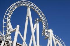 Pista torcida del roller coaster Fotos de archivo libres de regalías