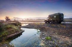 Pista vicino al fiume Fotografia Stock Libera da Diritti