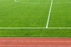 Pista y campo de fútbol del atletismo fotografía de archivo