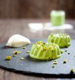 Pistache en condens het dessert van pannacotta Royalty-vrije Stock Foto's