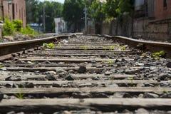 Pistas de ferrocarril bajas fotografía de archivo libre de regalías