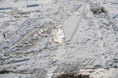 Pistas de la nieve en la nieve Imágenes de archivo libres de regalías