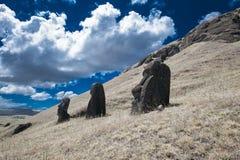 Pistas de Moai de la isla de pascua Imagen de archivo libre de regalías