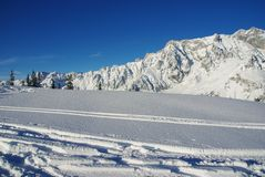 Pistas del esquí imágenes de archivo libres de regalías