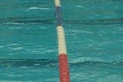 Pistas del separador en la piscina Fotos de archivo