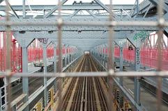 Pistas del tren en un puente de New York City Imagen de archivo libre de regalías
