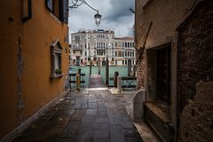 Pistas e ruas de Veneza foto de stock royalty free