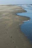 Pistas en la playa Foto de archivo libre de regalías