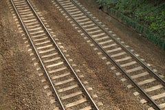 Pistas ferroviarias paralelas Foto de archivo libre de regalías