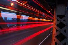 pistas ligeras en la noche Foto de archivo libre de regalías
