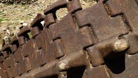Pistas oxidadas, abandonadas del tanque almacen de metraje de vídeo