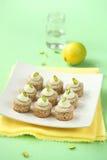 Pistasch Mini Cupcakes Royaltyfria Bilder