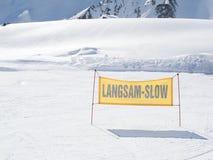 piste符号滑雪警告黄色 图库摄影