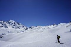 -piste катаясь на лыжах Петит Combin Стоковые Фото