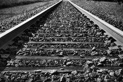 Piste in bianco e nero del treno Fotografie Stock Libere da Diritti