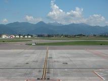 Piste d'aéroport de Bergame Orio Al Serio Image stock