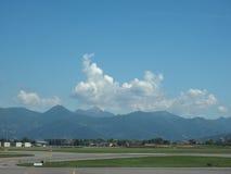 Piste d'aéroport de Bergame Orio Al Serio Images libres de droits