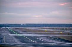 Piste dans l'aéroport Francfort Photos libres de droits