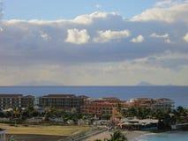 Piste de Maho Beach et d'aéroport Photos libres de droits