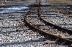 Piste del treno in autunno tardo fotografia stock libera da diritti