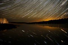 Piste della foresta del cielo del lago star Fotografie Stock Libere da Diritti
