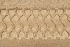 Piste della gomma sulla spiaggia Fotografia Stock Libera da Diritti
