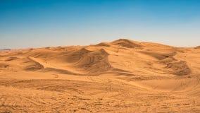 Piste di ATV in tutto le dune di sabbia a Glamis, California fotografia stock libera da diritti