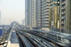Pistes de métro à Dubaï photographie stock libre de droits