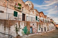 Pisticci, Matera, Basilicata, Italia: calle en la ciudad vieja con Imagenes de archivo