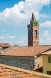 Pistoia kościół i dzwonkowy wierza w niebie Zdjęcia Stock